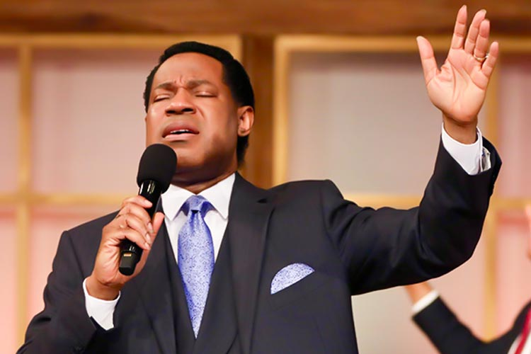 Moments of Heavenly Worship with Pastor Chris Kick Off Communion Service